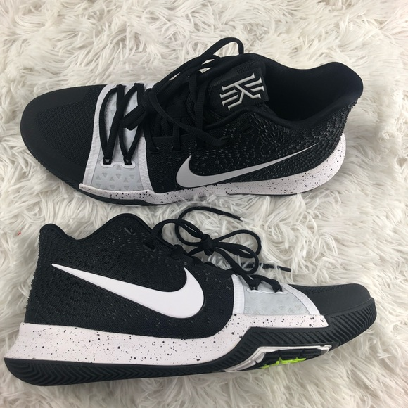 best service 8a29f 693d1 🎈ACCEPTING OFFER🎈 Nike Kyrie 3 TB NWT